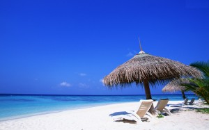 Sandy Beach and Blue Ocean Wallpapers Image