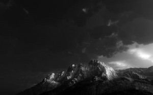 Black and White Mount Wallpaper Picture