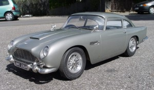 Side Picture of Aston Martin DB5