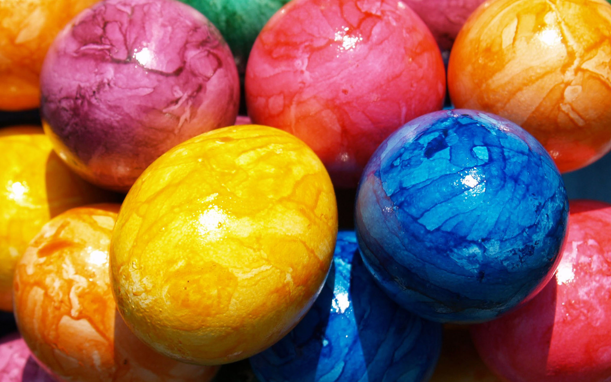 Get free colorful backgrounds for your desktop and give it a more ...